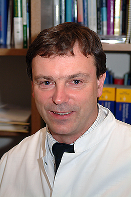 Dr. Wolf Kassel